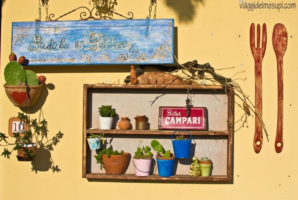 4piedi&8.5pollici Restaurant, entrance