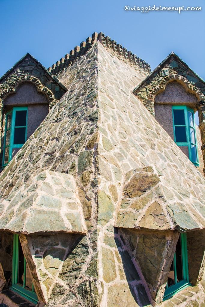 Torre Bellesguard a Barcellona - la testa del drago