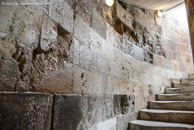 Salire sulla Torre di Pisa, interno