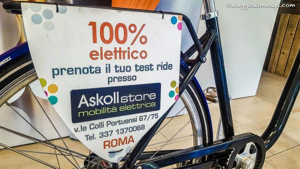 Bicicletta elettrica Askoll, pista ciclabile di Villa Pamphil