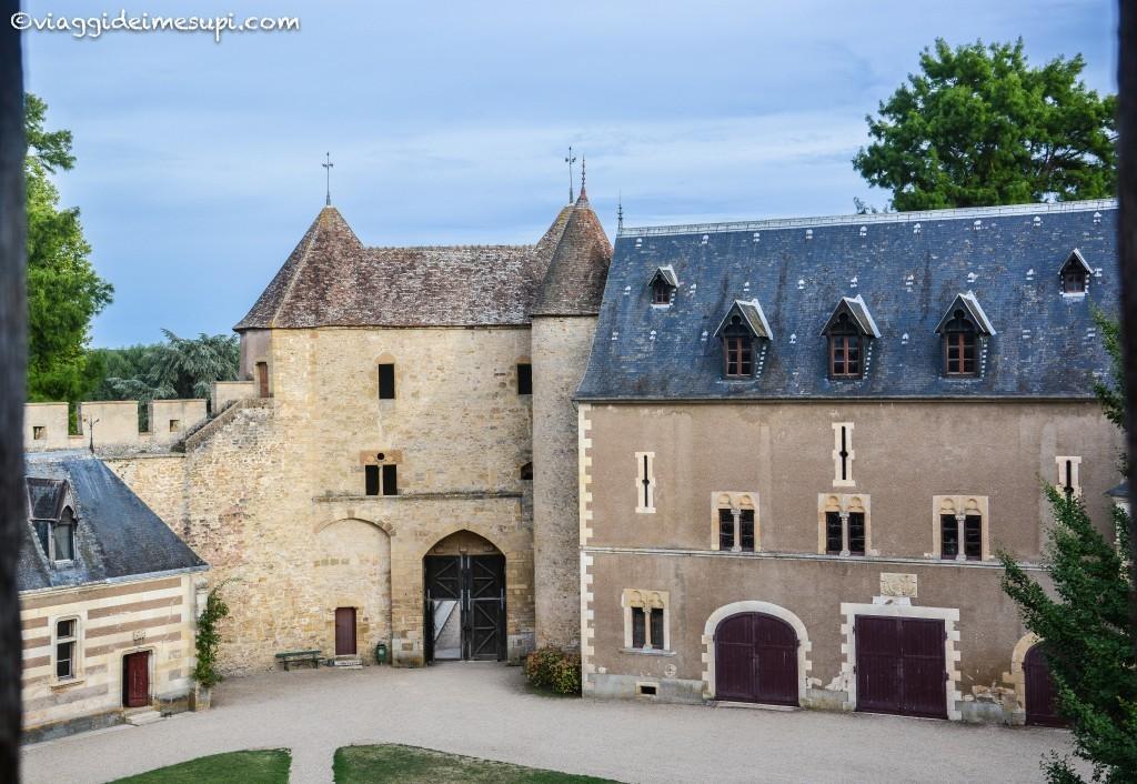 Itinerario in moto nella Loira, Ainat-le-Vieil