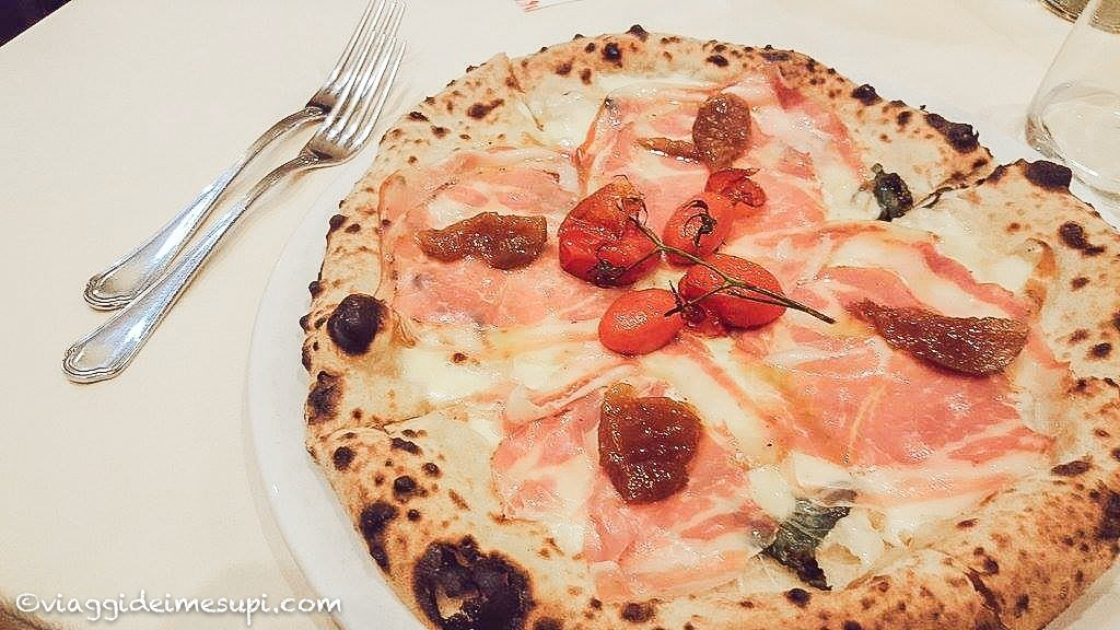 Mangiare la pizza vicino Napoli- La lanternina, pizza